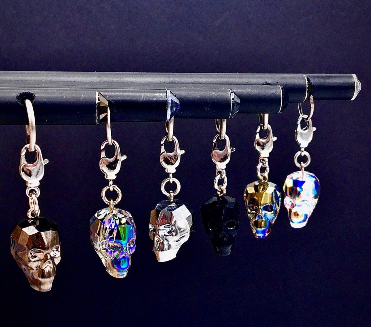DIS/426/SW - Skull & Charm
